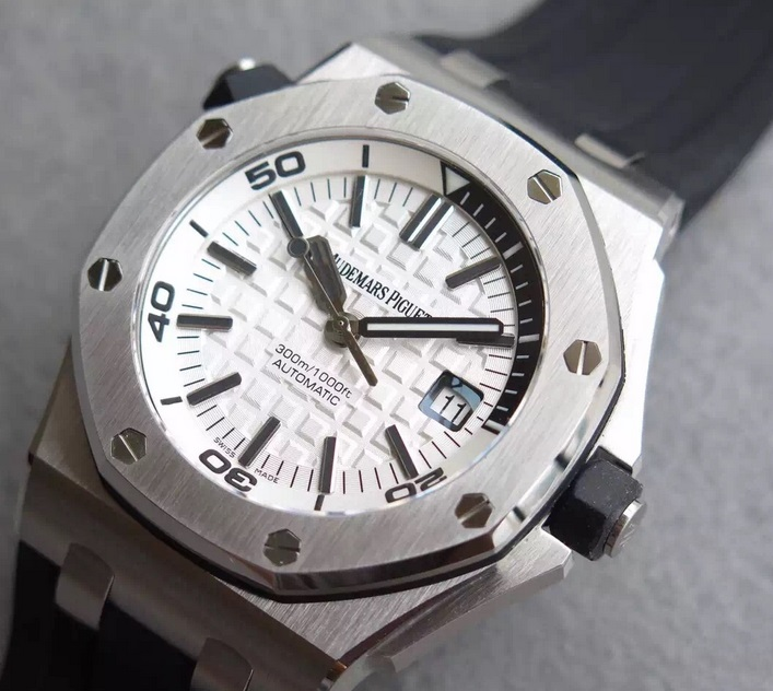 Noob Factory Replica Audemars Piguet Royal Oak Offshore Diver 15710 White Dial V8 Edition