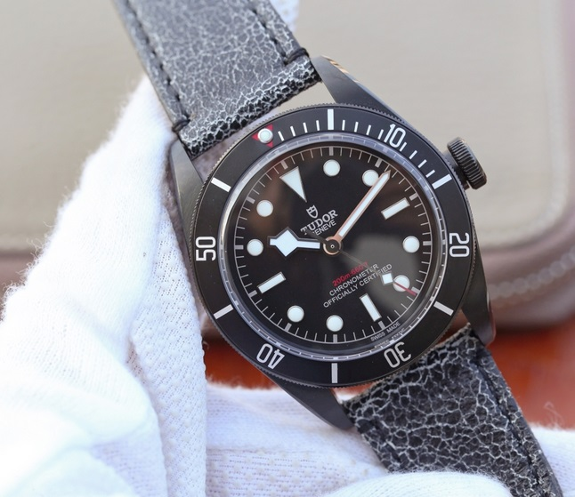 Noob Factory Replica Tudor Heritage Black Bay Dark M79230DK Review